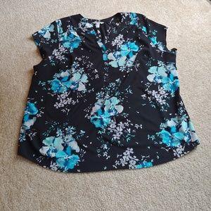 NWOT croft & barrow black&blue short sleeve blouse